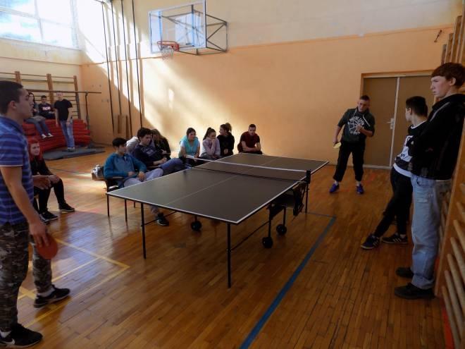 Турнинр у стоном тенису